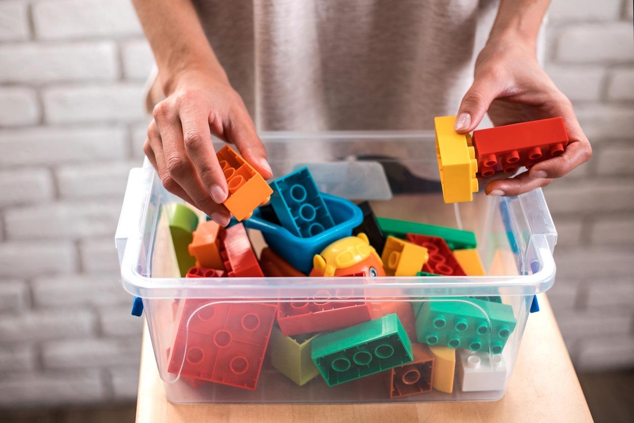 Tidy tips toy box