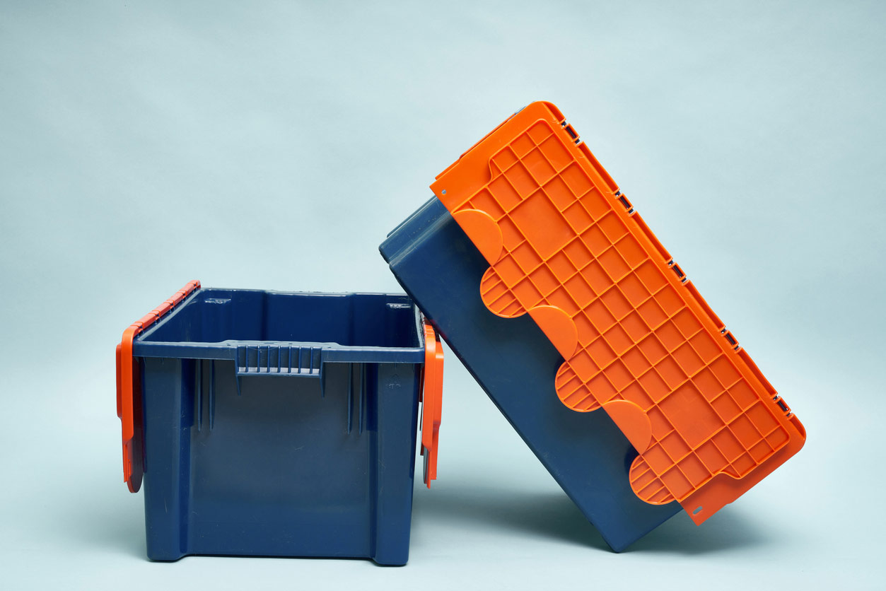 Plastic stacking moving crates